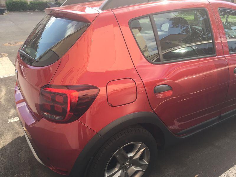 Dacia Sandero 1.6 MPI 90 Prestige Rouge occasion à Ermont - photo n°3