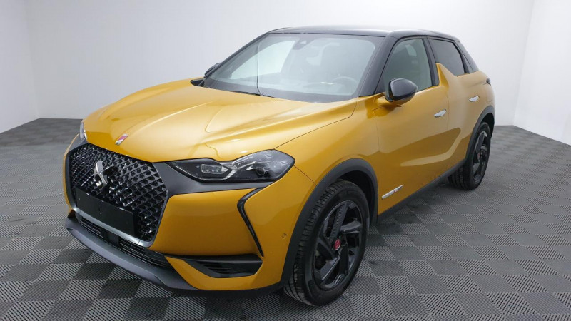 DS DS3 Crossback 1.2 puretech 155cv eat8 grand chic + hifi focal + sieges cha Or occasion à Riorges - photo n°2