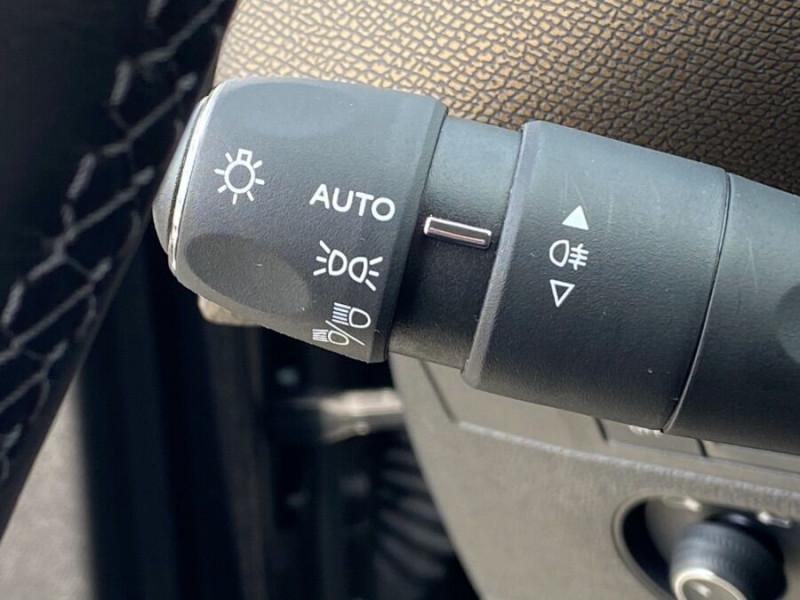DS DS3 Crossback PURETECH 100 CV SO CHIC CUIR GPS Noir occasion à Biganos - photo n°11