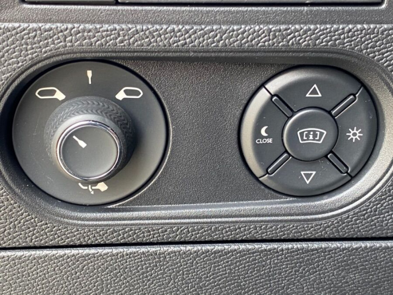 DS DS3 Crossback PURETECH 100 CV SO CHIC CUIR GPS Noir occasion à Biganos - photo n°14