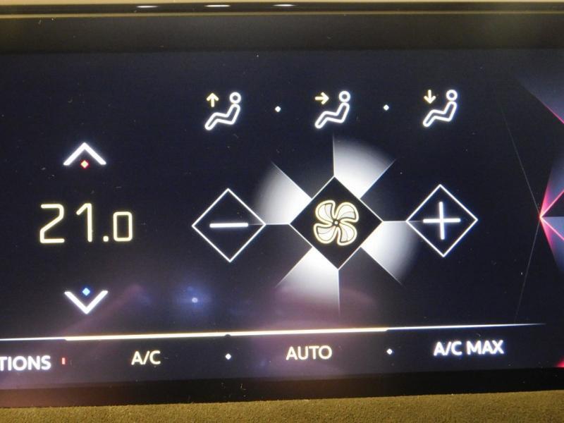 DS DS3 Crossback PureTech 130ch Performance Line Automatique Gris occasion à Castres - photo n°20