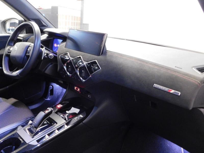 DS DS3 Crossback PureTech 130ch Performance Line Automatique Gris occasion à Castres - photo n°8