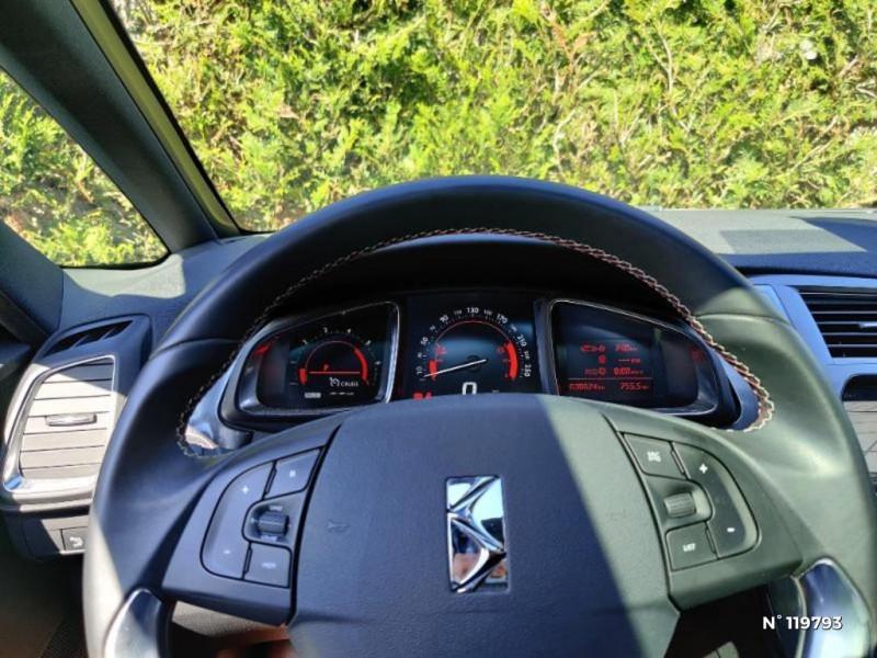 DS DS5 BlueHDi 150ch Performance line S&S Gris occasion à Le Perreux-sur-Marne - photo n°12