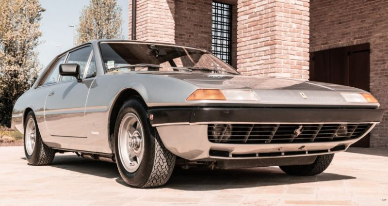 Ferrari 365 GT4 2+2 Argent occasion à Reggio Emilia - photo n°3