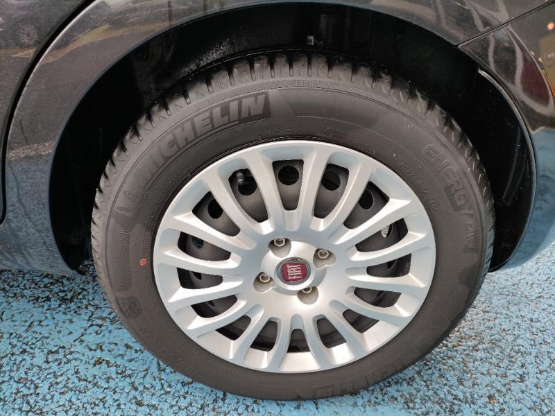 Fiat Punto 1.2 8v 69ch Easy 5p Noir occasion à Corbeil-Essonnes - photo n°17