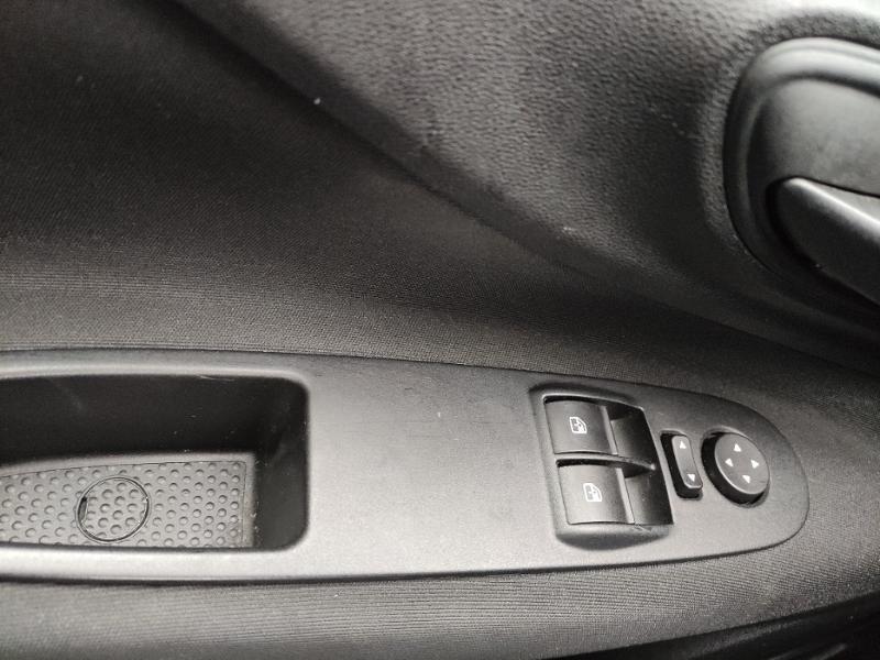 Fiat Punto 1.2 8v 69ch Easy 5p Noir occasion à Corbeil-Essonnes - photo n°14