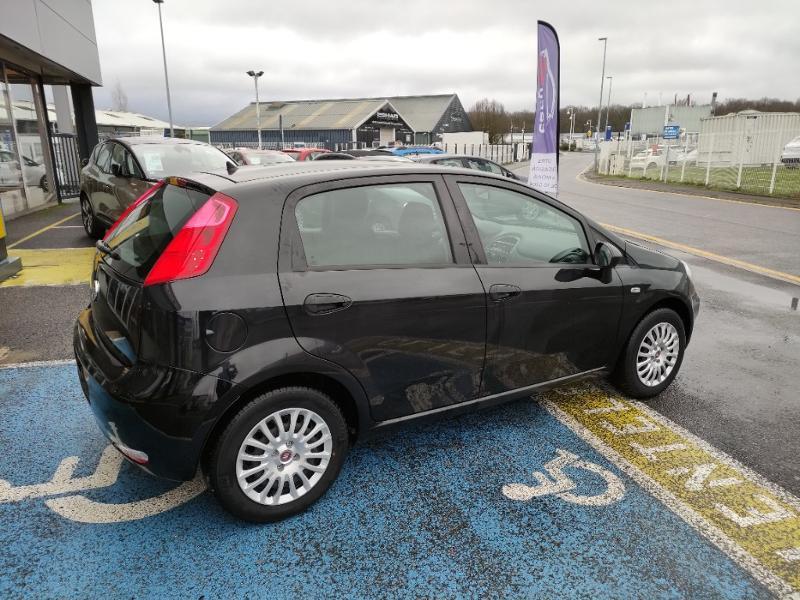 Fiat Punto 1.2 8v 69ch Easy 5p Noir occasion à Corbeil-Essonnes - photo n°4