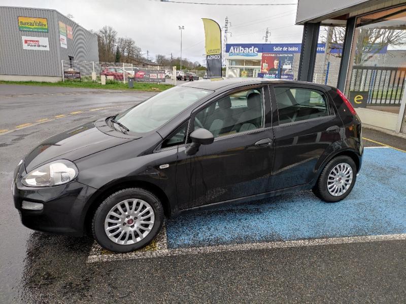 Fiat Punto 1.2 8v 69ch Easy 5p Noir occasion à Corbeil-Essonnes - photo n°2