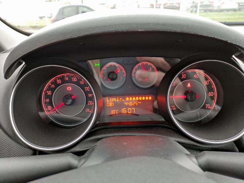 Fiat Punto 1.2 8v 69ch Easy 5p Noir occasion à Corbeil-Essonnes - photo n°9