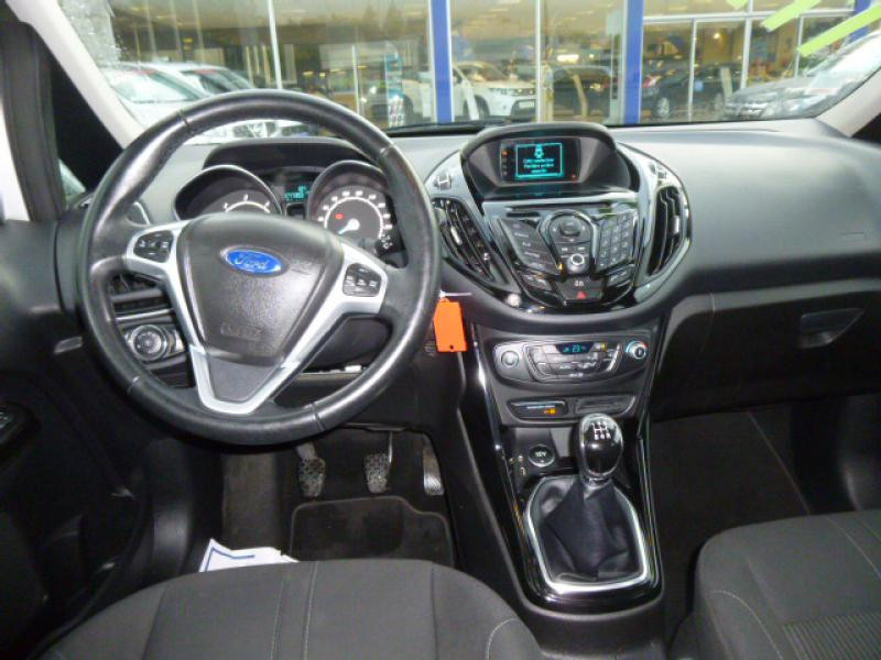 Ford B-Max 1.6 95  TITANIUM Gris occasion à Morlaix - photo n°4