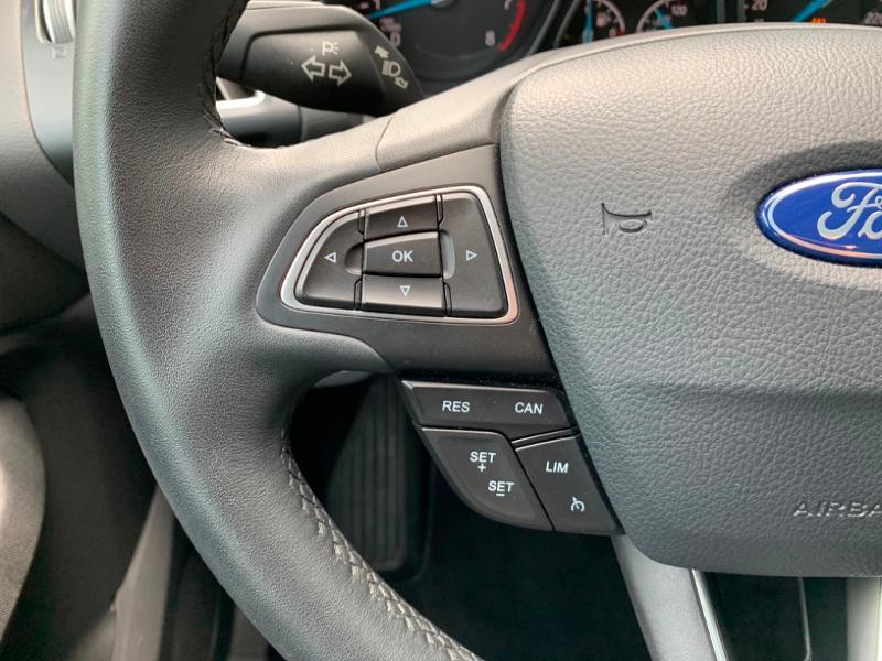 Ford C-Max 1.0 EcoBoost 125ch Stop&Start Titanium Euro6.2 Noir occasion à Saint-Doulchard - photo n°12