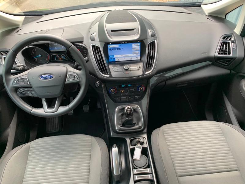 Ford C-Max 1.0 EcoBoost 125ch Stop&Start Titanium Euro6.2 Noir occasion à Saint-Doulchard - photo n°10