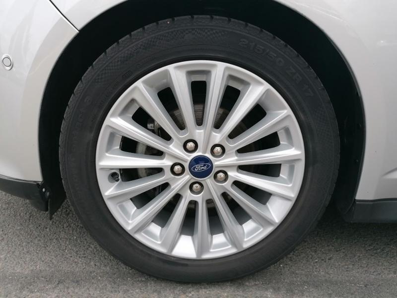 Ford C-Max 1.0 EcoBoost 125ch Stop&Start Titanium Euro6.2 Gris occasion à Fleury-les-Aubrais - photo n°16