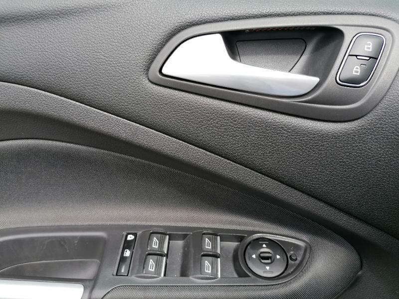 Ford C-Max 1.0 EcoBoost 125ch Stop&Start Titanium Euro6.2 Gris occasion à Fleury-les-Aubrais - photo n°18