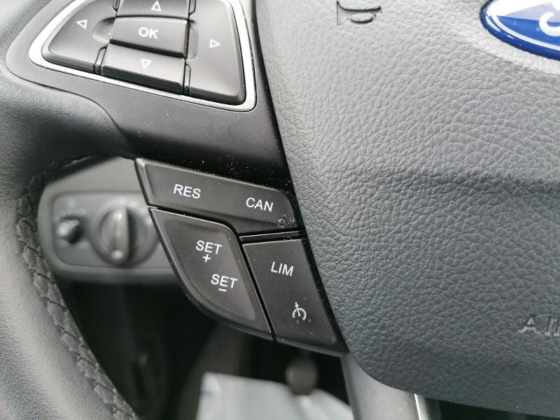 Ford C-Max 1.0 EcoBoost 125ch Stop&Start Titanium Euro6.2 Gris occasion à Fleury-les-Aubrais - photo n°12