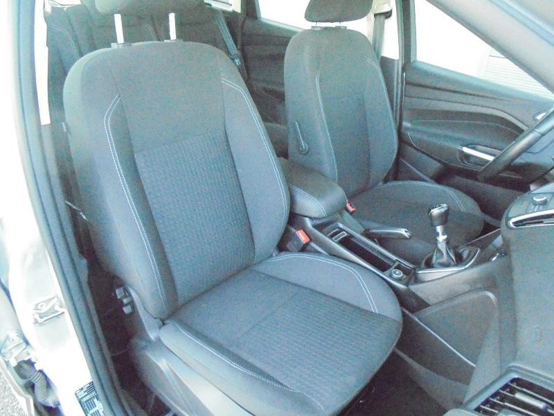 Ford C-Max 1.5 TDCi 95ch Stop&Start Trend Business Euro6.2 Gris occasion à Corbeil-Essonnes - photo n°7