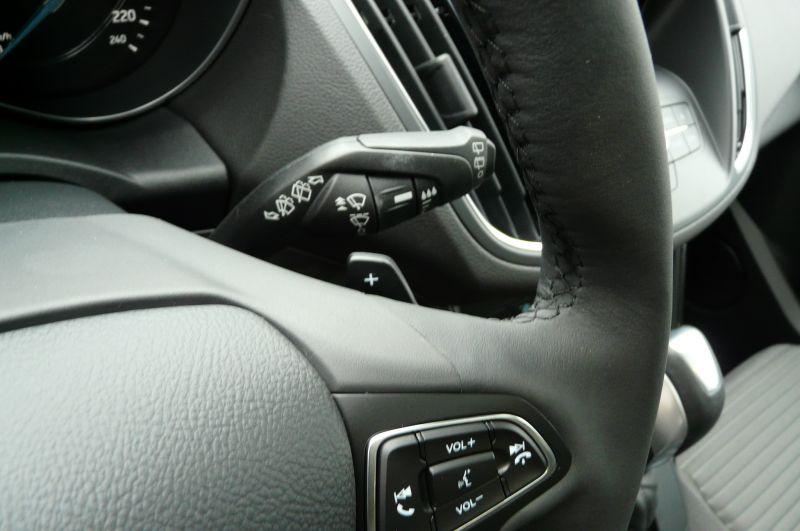 Ford C-Max 2.0 TDCI Titanium Blanc occasion à Beaupuy - photo n°8