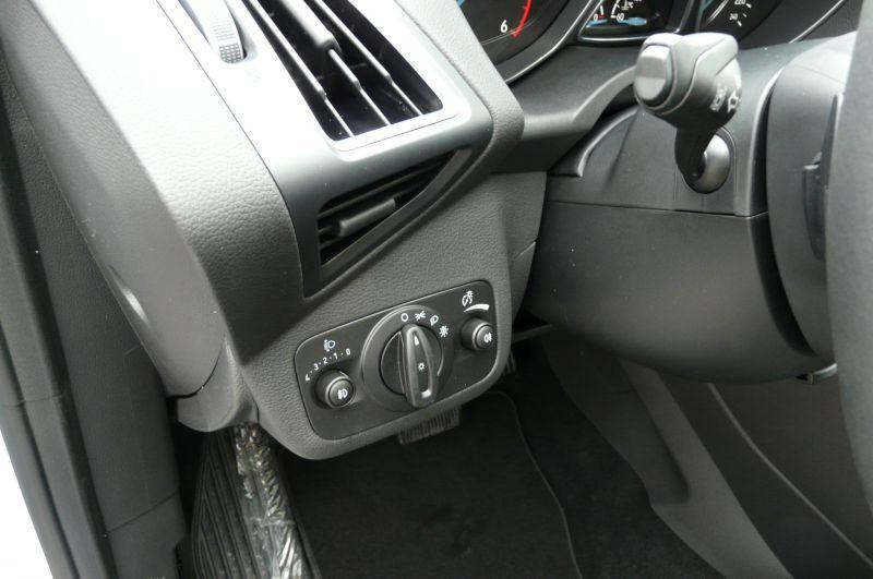 Ford C-Max 2.0 TDCI Titanium Blanc occasion à Beaupuy - photo n°5