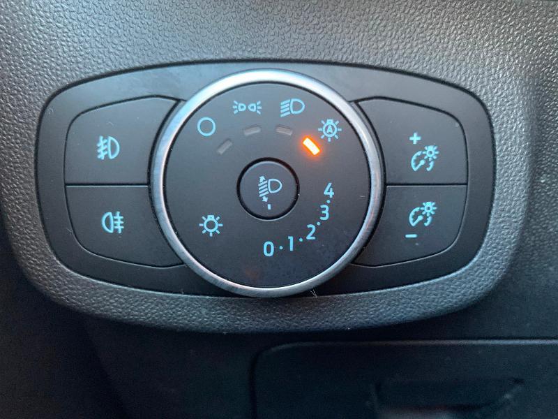 Ford Fiesta 1.1 85ch Trend 5p 5cv Euro6.2 Gris occasion à Saint-Doulchard - photo n°12