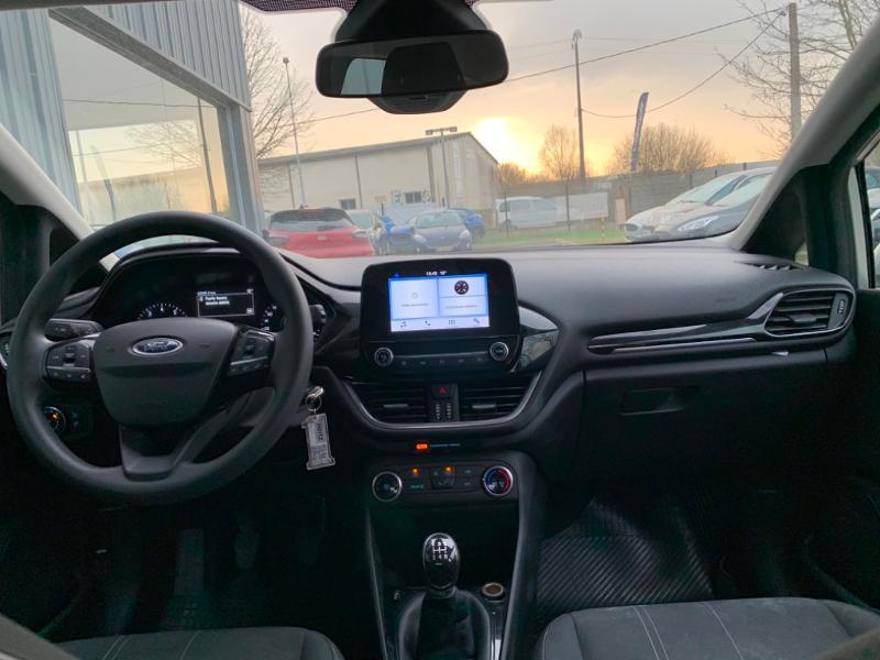 Ford Fiesta 1.1 85ch Trend 5p 5cv Euro6.2 Gris occasion à Saint-Doulchard - photo n°8