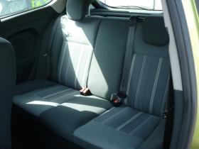 Ford Fiesta 1.4 TDCi 68ch Ambiente 3p Vert occasion à Portet-sur-Garonne - photo n°5