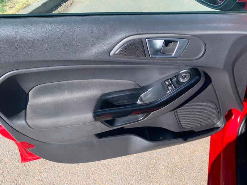 Ford Fiesta 1.5 TDCi 95ch FAP Titanium 5p Rouge occasion à Saint-Doulchard - photo n°19