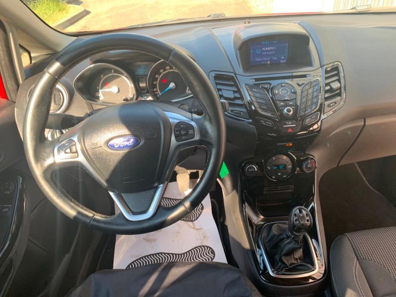 Ford Fiesta 1.5 TDCi 95ch FAP Titanium 5p Rouge occasion à Saint-Doulchard - photo n°9