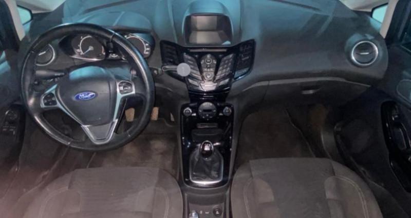 Ford Fiesta 1.6 TDCi 95 FAP Titanium Gris occasion à MONTPELLIER - photo n°2