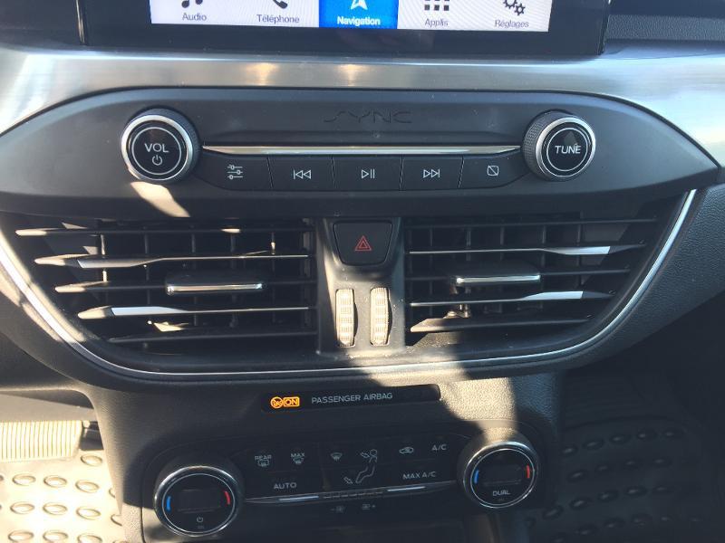Ford Focus SW 1.5 EcoBlue 120ch Titanium BVA Gris occasion à Dole - photo n°14