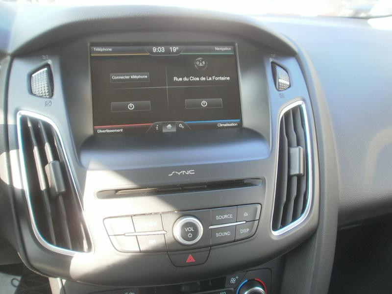 Ford Focus SW 1.5 TDCi 120ch Stop&Start Trend Noir occasion à Auxerre - photo n°16