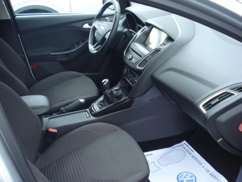 Ford Focus 1.0 EcoBoost 100ch Stop&Start Business Nav 99g Gris occasion à Aurillac - photo n°14