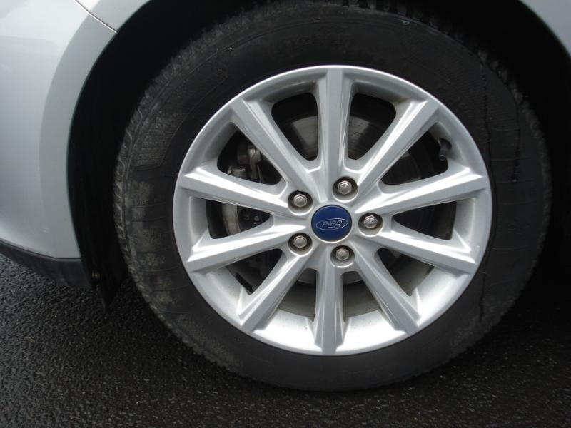 Ford Focus 1.0 EcoBoost 100ch Stop&Start Business Nav 99g Gris occasion à Aurillac - photo n°18