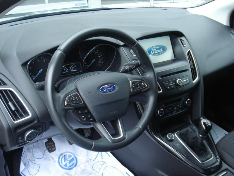 Ford Focus 1.0 EcoBoost 100ch Stop&Start Business Nav 99g Gris occasion à Aurillac - photo n°12