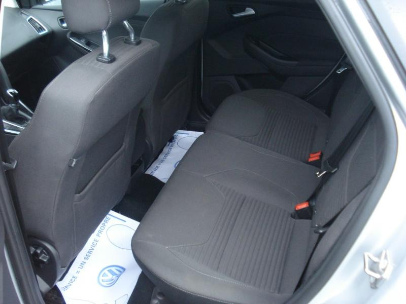 Ford Focus 1.0 EcoBoost 100ch Stop&Start Business Nav 99g Gris occasion à Aurillac - photo n°16