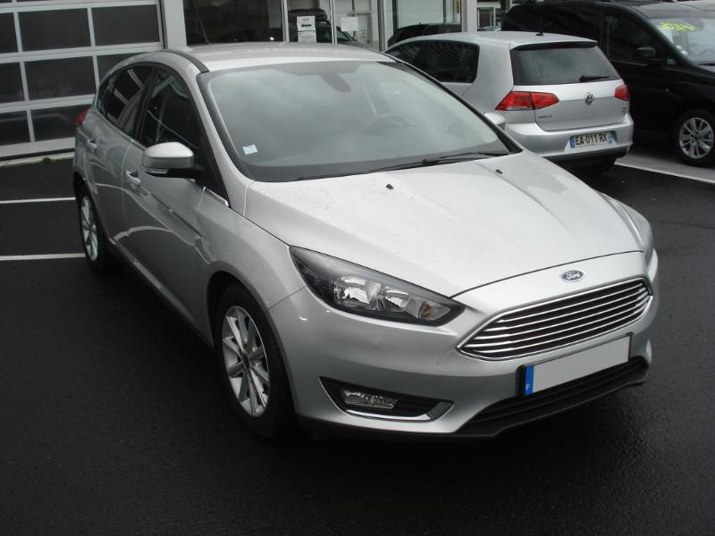 Ford Focus 1.0 EcoBoost 100ch Stop&Start Business Nav 99g Gris occasion à Aurillac
