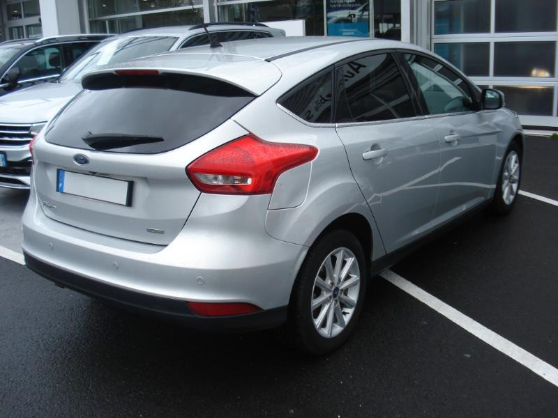 Ford Focus 1.0 EcoBoost 100ch Stop&Start Business Nav 99g Gris occasion à Aurillac - photo n°19