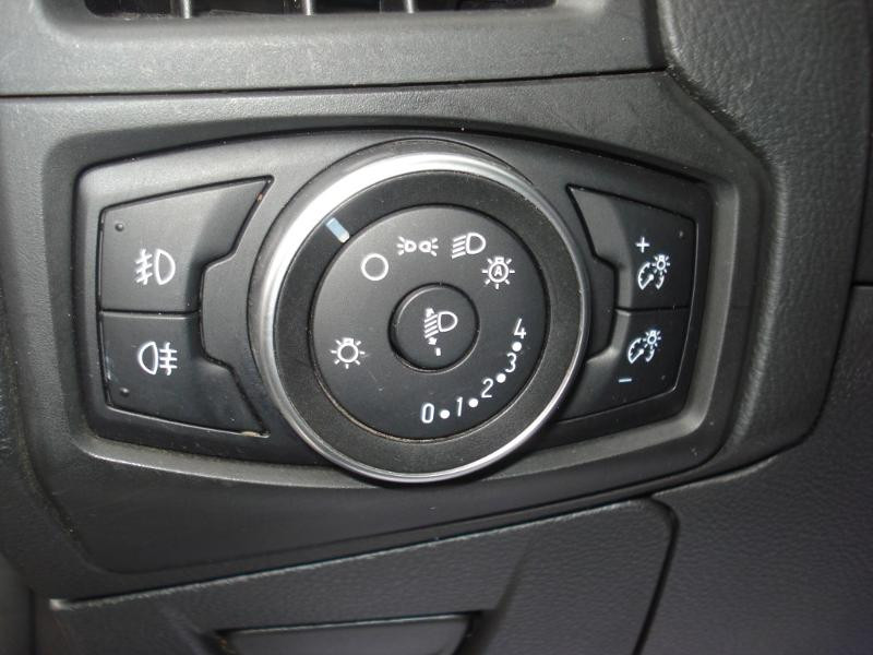 Ford Focus 1.0 EcoBoost 100ch Stop&Start Business Nav 99g Gris occasion à Aurillac - photo n°9