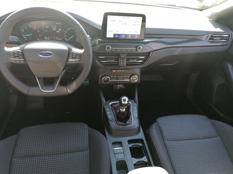 Ford Focus 1.0 EcoBoost 125ch mHEV ST-Line Business Gris occasion à Saint-Doulchard - photo n°8