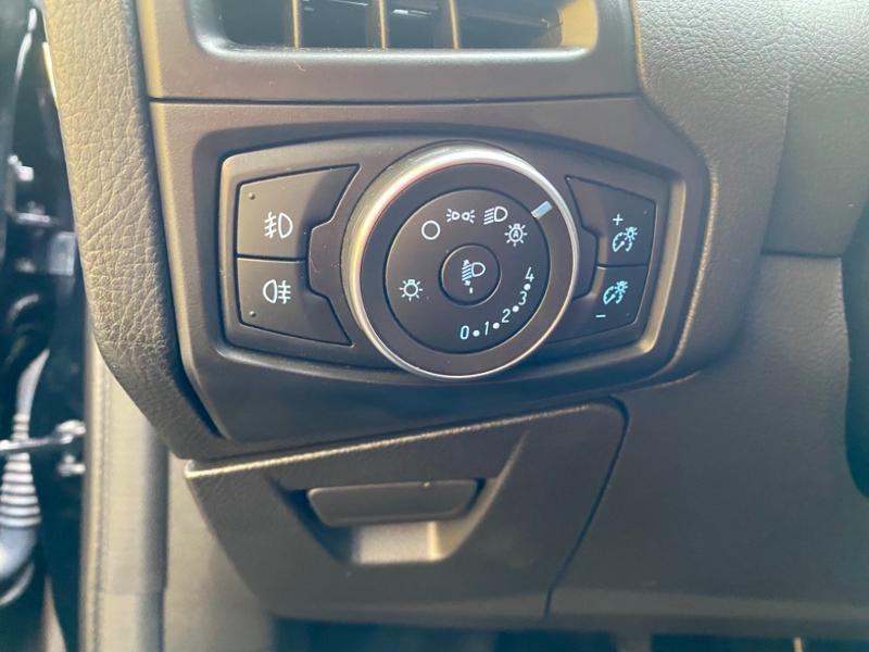 Ford Focus 1.0 EcoBoost 125ch Titanium Noir occasion à Samoreau - photo n°13