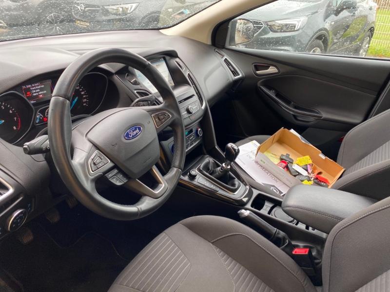 Ford Focus 1.0 EcoBoost 125ch Titanium Noir occasion à Samoreau - photo n°7