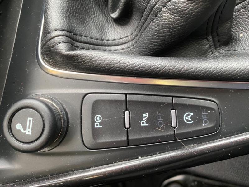 Ford Focus 1.0 EcoBoost 125ch Titanium Noir occasion à Samoreau - photo n°15