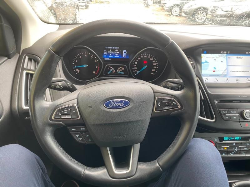 Ford Focus 1.0 EcoBoost 125ch Titanium Noir occasion à Samoreau - photo n°10