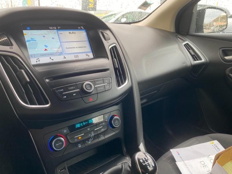 Ford Focus 1.0 EcoBoost 125ch Titanium Noir occasion à Samoreau - photo n°6