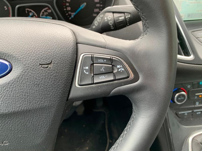 Ford Grand C-Max 1.5 TDCi 120ch Stop&Start Titanium Euro6.2 Blanc occasion à Saint-Doulchard - photo n°12