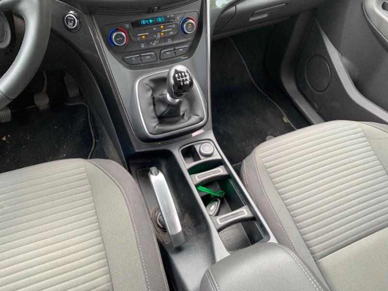 Ford Grand C-Max 1.5 TDCi 120ch Stop&Start Titanium Euro6.2 Blanc occasion à Saint-Doulchard - photo n°15