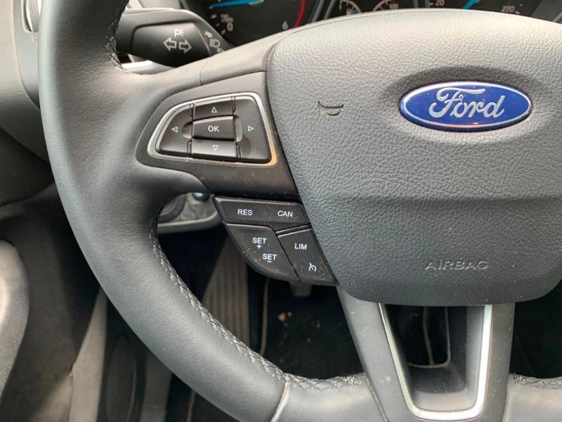 Ford Grand C-Max 1.5 TDCi 120ch Stop&Start Titanium Euro6.2 Blanc occasion à Saint-Doulchard - photo n°11
