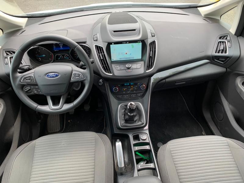 Ford Grand C-Max 1.5 TDCi 120ch Stop&Start Titanium Euro6.2 Blanc occasion à Saint-Doulchard - photo n°9