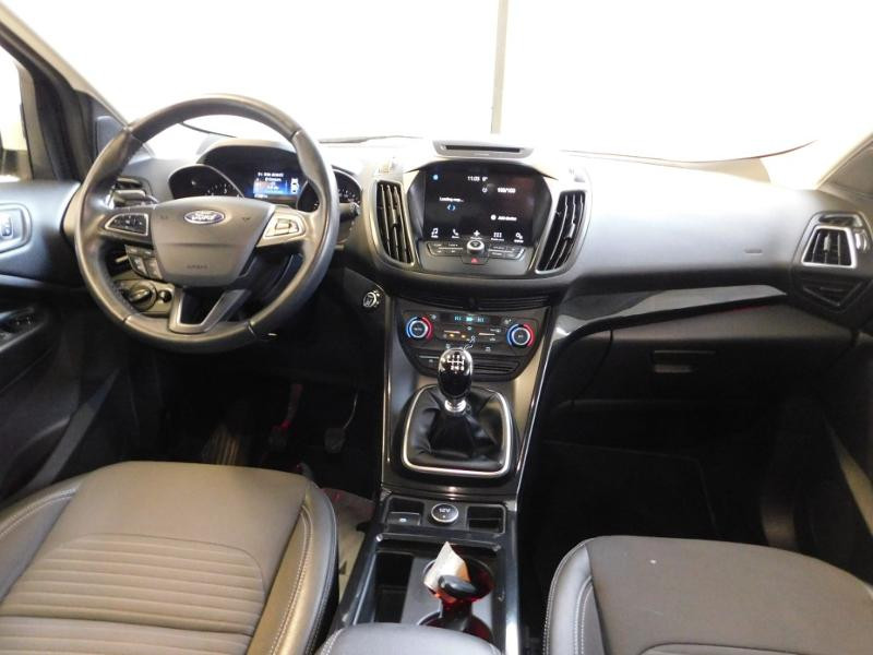 Ford Kuga 1.5 TDCi 120ch Stop&Start Titanium 4x2 Blanc occasion à Castres - photo n°2