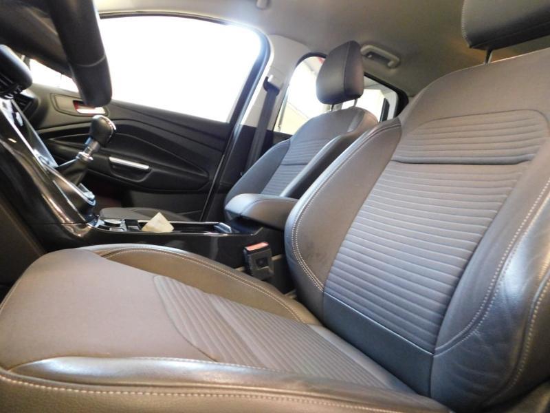 Ford Kuga 1.5 TDCi 120ch Stop&Start Titanium 4x2 Blanc occasion à Castres - photo n°9