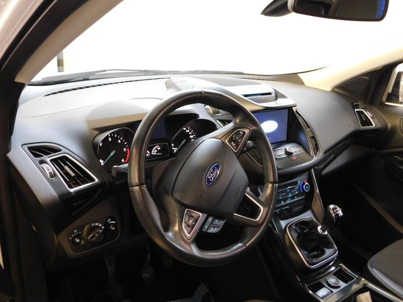 Ford Kuga 1.5 TDCi 120ch Stop&Start Titanium 4x2 Blanc occasion à Castres - photo n°6